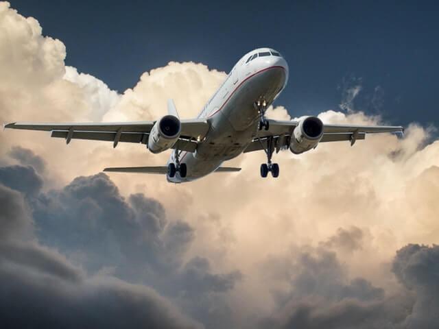 飛行機に乗るときの注意点
