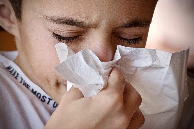 花粉で鼻水が止まらない